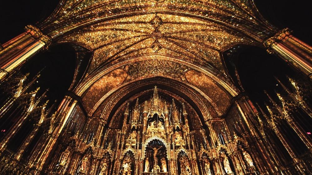 AURA, Notre-Dame Basilica