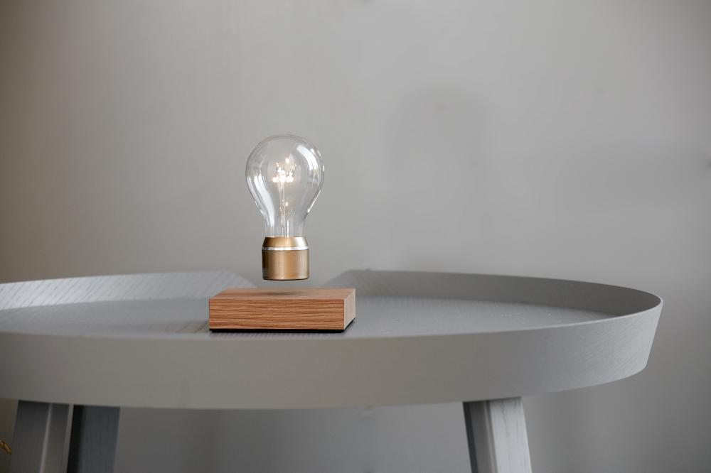 FLYTE: THE LEVITATING LIGHT. Company: Flyte. Lead Designer: Simon Morris. Photo via LIT