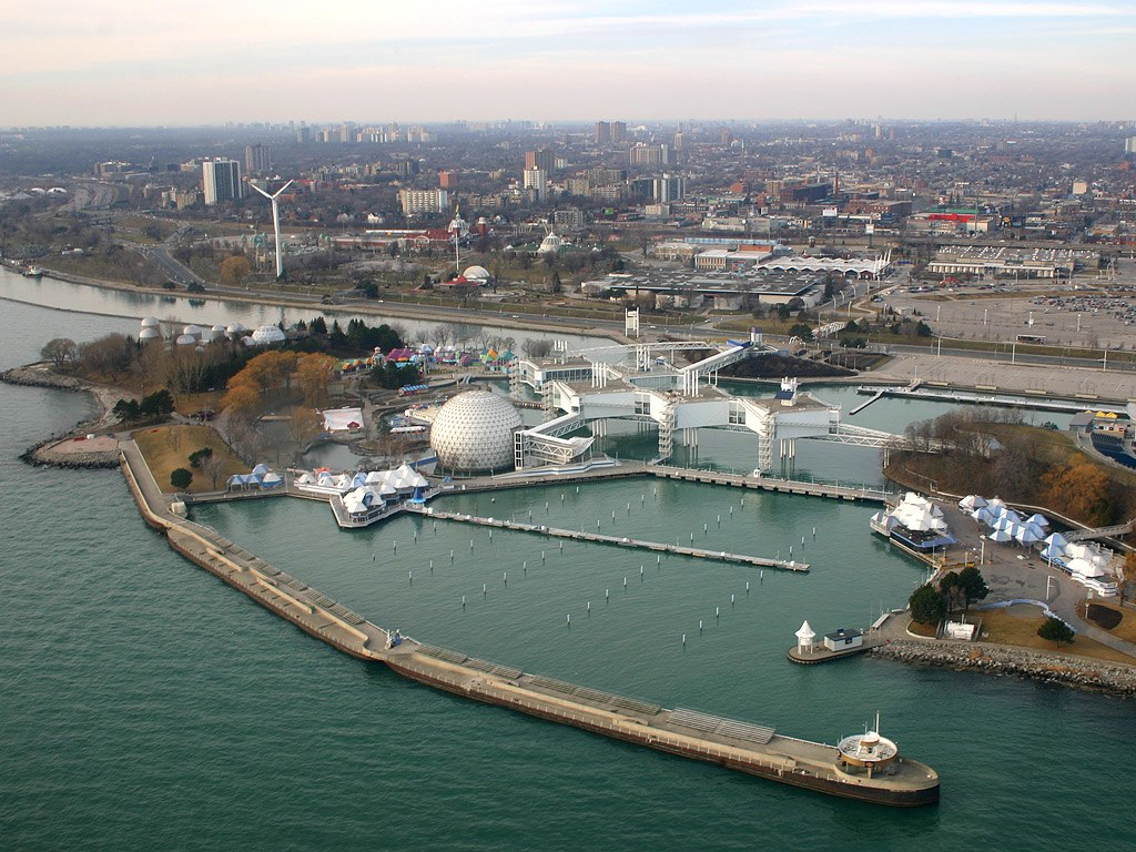 The potential redevelopment of Ontario Place has many Ontarians worried. Photo by IDuke via Wikimedia Commons.