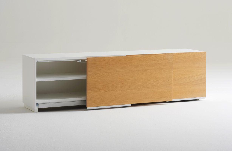 Hue_Slideboard_oak_open_01-1228x800