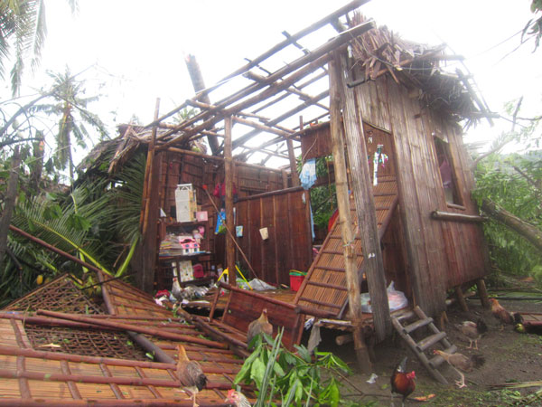 typhoon-destroyed-home