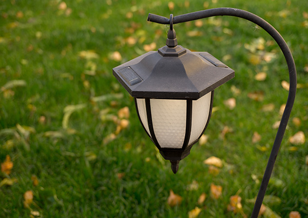 Traditional exterior lighting styles