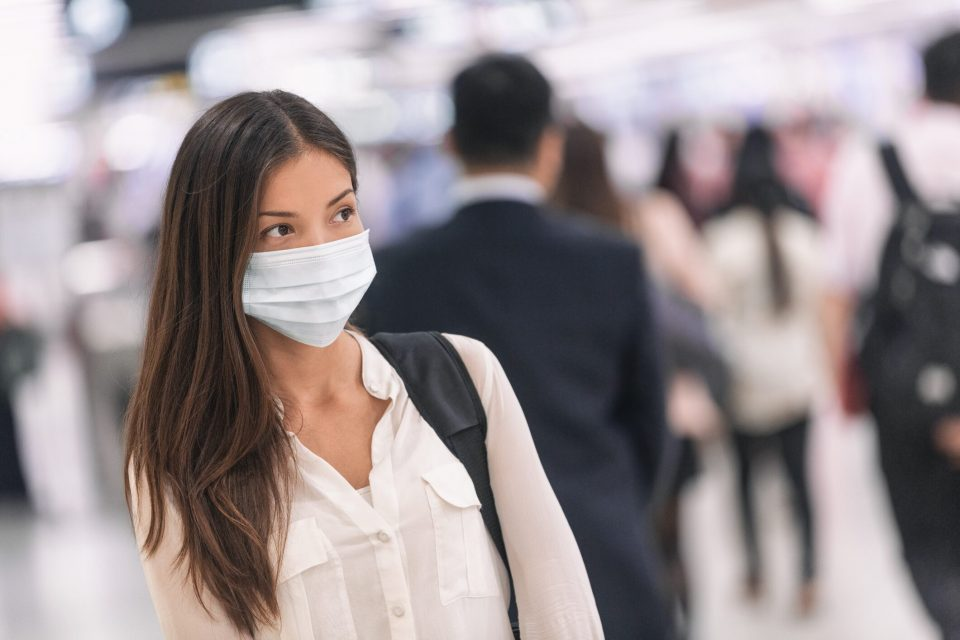 US airlines requiring face masks may not be enforcing rule, report claims