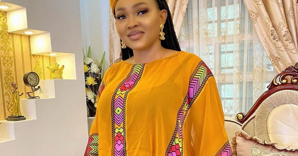 Mercy Aigbe shows of Mercedes Benz SUV worth N26M [ARTICLE]