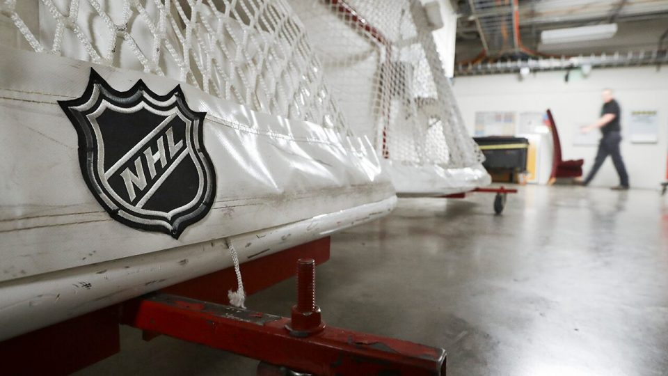 NHLPA approves going forward with 24-team playoff talks