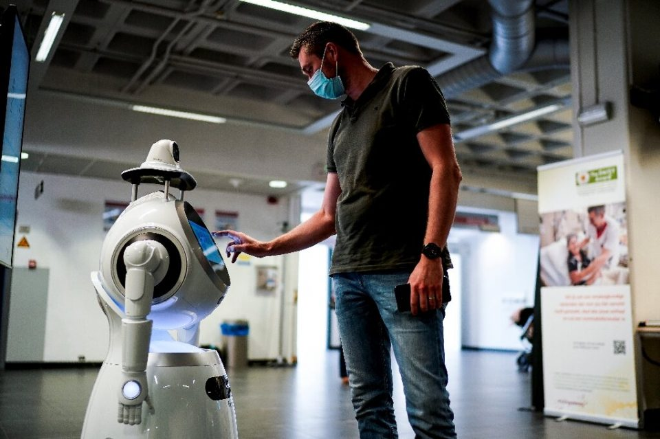 Robomedic is the droid Antwerp hospital was looking for