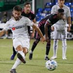 Rossi scores pair, LAFC gets revenge in 4-1 win over Seattle