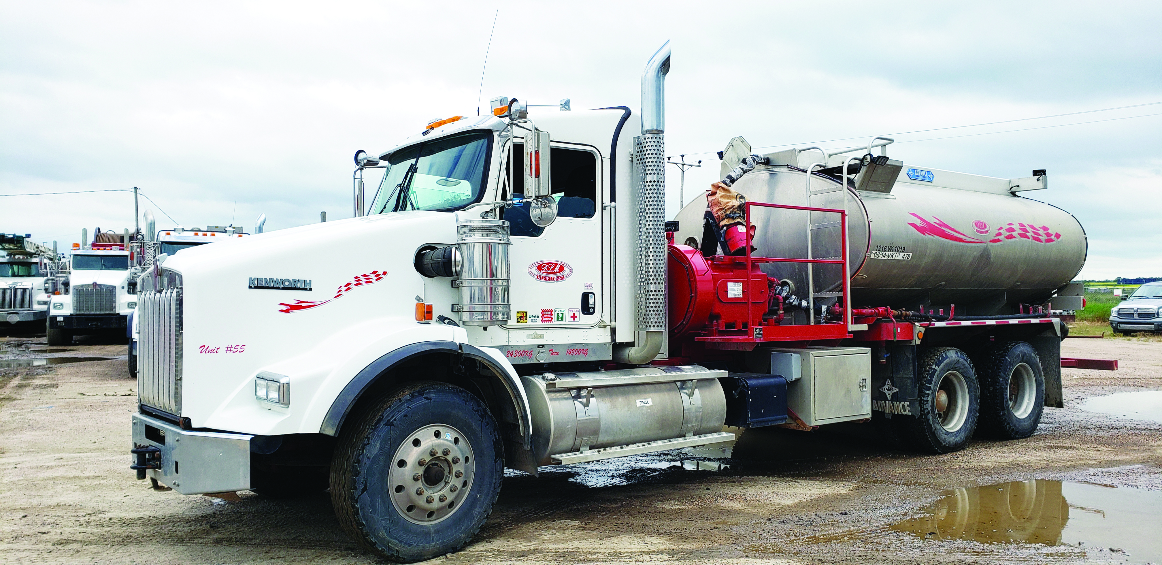 2015 KENWORTH T800 Pressure Truck (38 Available)