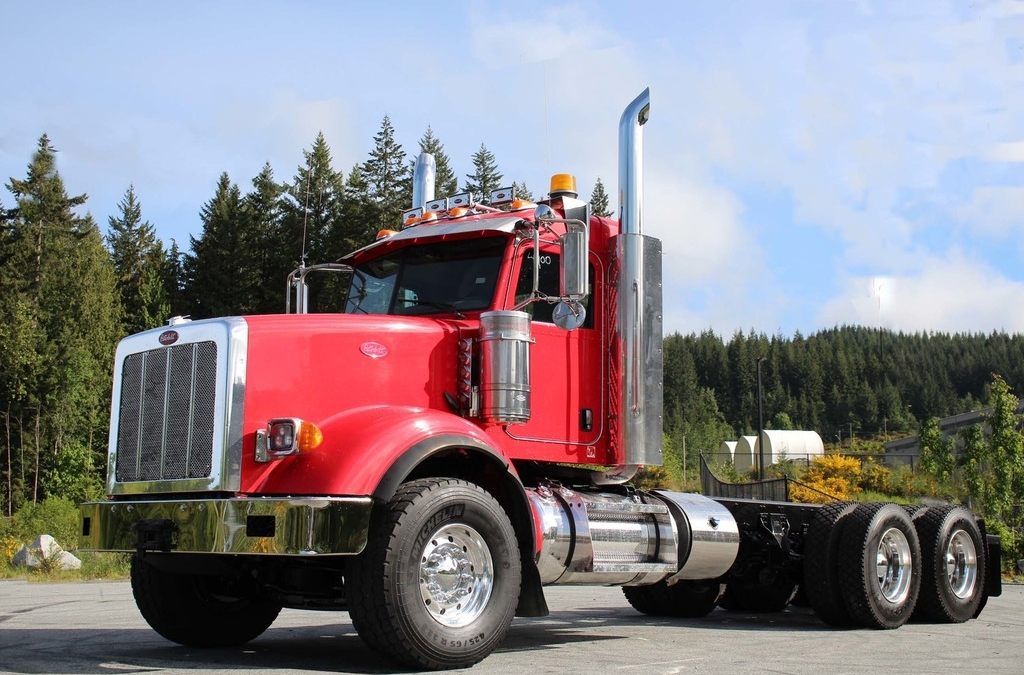 Peterbilt 367 Ext Day Cab 550HP Tandem with Full Lockers