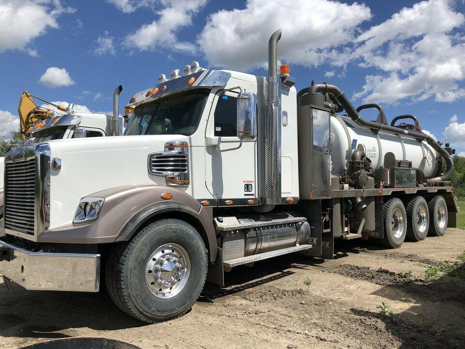 Freightliner Tri Drive Vac Truck