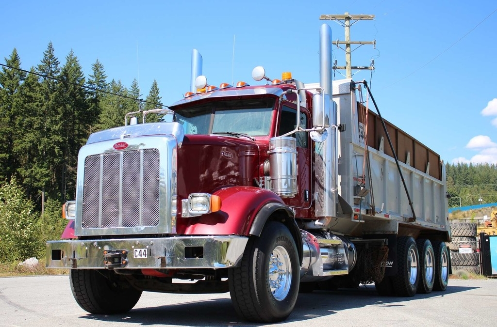 Peterbilt 367 Tri-Drive with Automatic Transmission