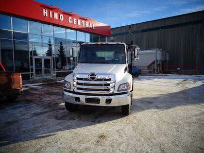 Hino 338/271 A/S 24ft Flat Deck