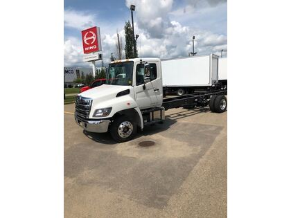 Hino 258U/217 cab/chassis only
