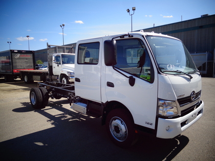 Hino 338/271 AS 26ft, dry, ramp 1914071