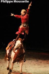 Debout sur le cheval