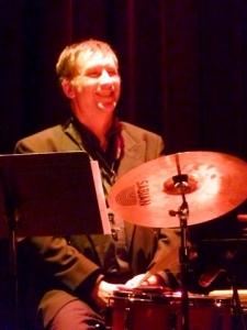 René Béchard aux percussions