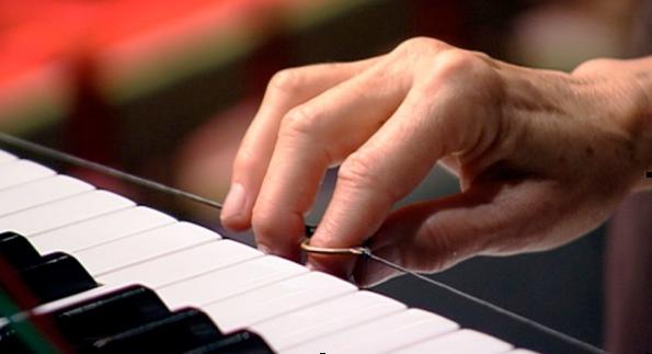 L'instrument Les ondes Martenot et le jeu