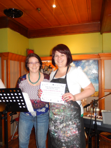 Audrey Fortier remet le 1er prix à Louba