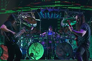 John Myung, Mike Mangini et John Petrucci