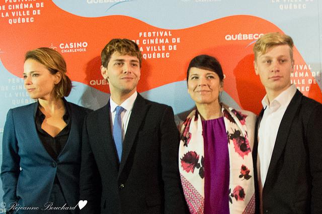 Xavier Dolan avec ses acteurs sur le tapis rouge du FCVQ pour le film Mommy