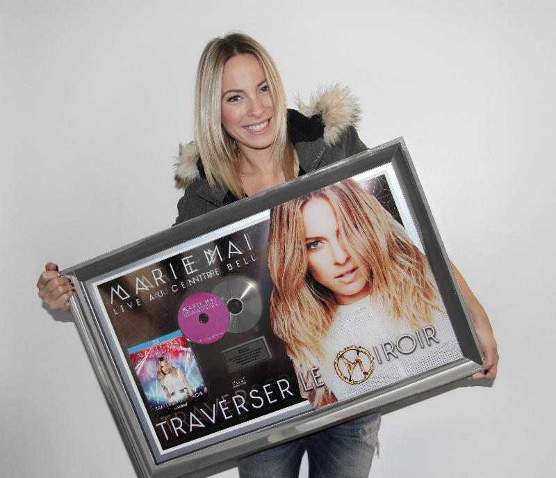Marie-Mai Live au Centre Bell : Traverser le Miroir certifié DVD platine ! ©photo: Productions J