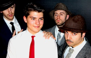 Brandon Schwartz (centre) dans Catch Me If You Can