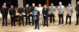 Plus de trente musiciens réunis pour rendre hommage  au compositeur, guitariste  et pédagogue Claude Gagnon  © photo: Stéphane Ledien