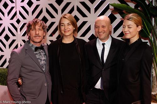 L'équipe du film Tu dors Nicole, avec Francis Lahaye, les producteurs et Catherine St-Laurent