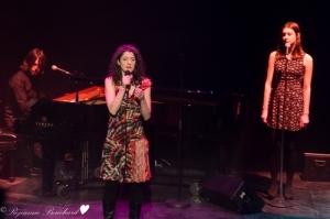 Vincent Gagnon au piano, Paule-Andrée Cassidy et  Lou-Adriane Cassidy