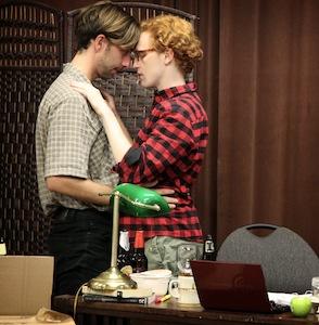 Lee Clapp ( Max ) et David Noel ( Aaron) dans «A Song of Fiction»