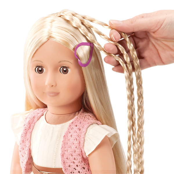 BD31028A Phoebe Hairplay Doll hair extension detail
