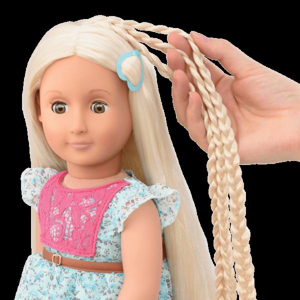 BD31096 Pria Hairplay Doll hair extension detail