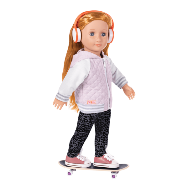 Arless wearing Fashion on Board outfit and riding skateboard