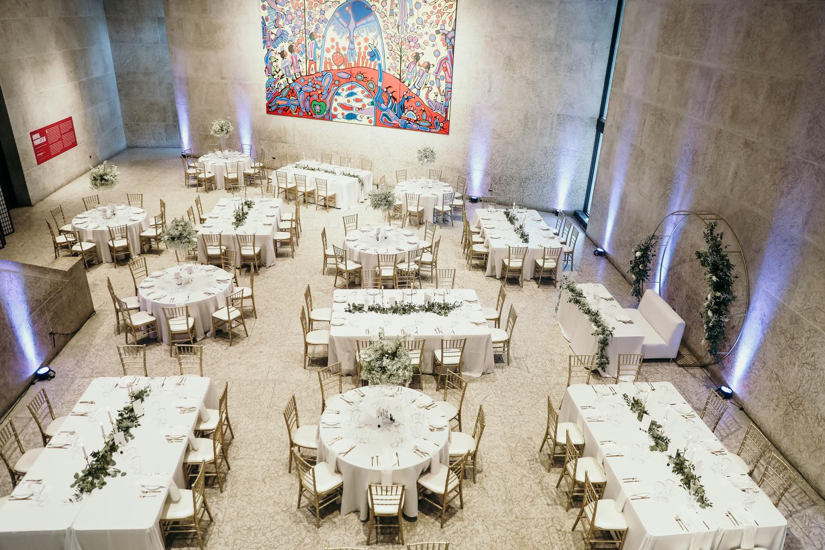what to consider when choosing your Winnipeg Wedding Venue.