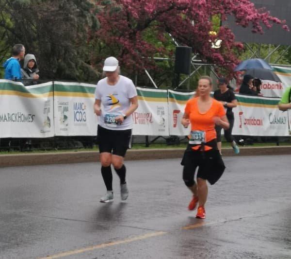 2019 Run For A New Start: participants running #2