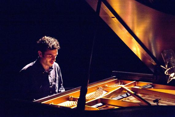 Le pianiste de jazz Simon Denizart de passage à Québec