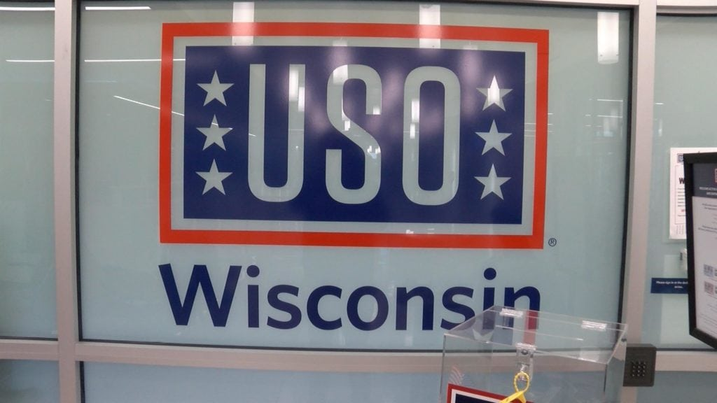 Sign for the USO Lounge in the La Crosse Airport.