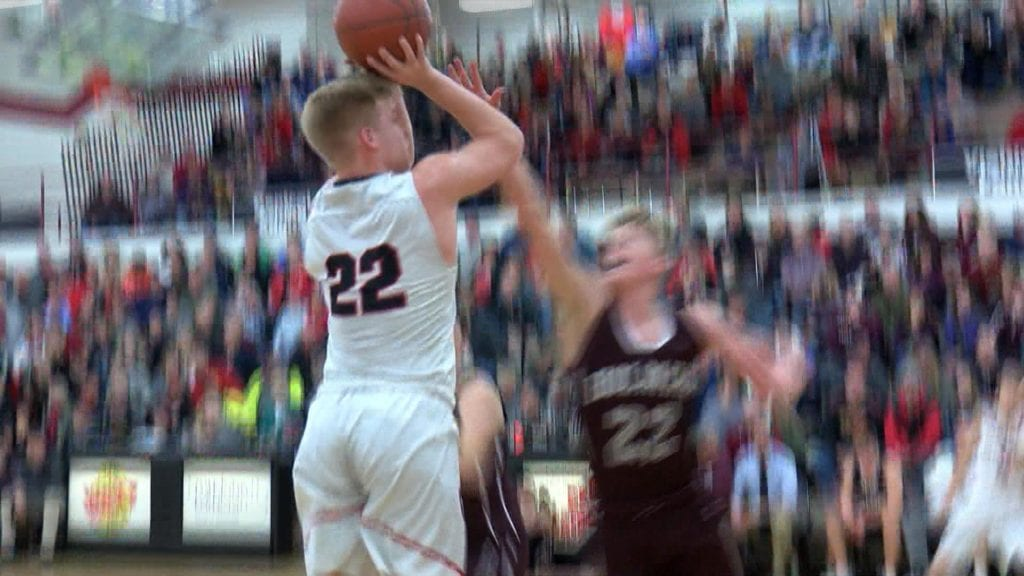 La Crosse Central defeats Holmen to advance to sectionals