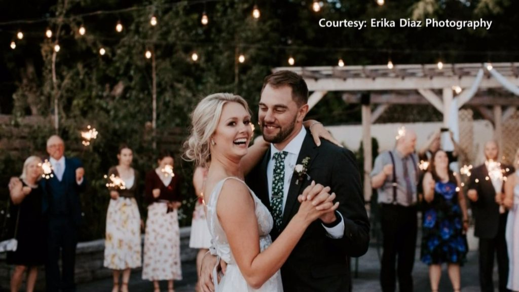 Wisconsin couple hoping for return of missing wedding photos