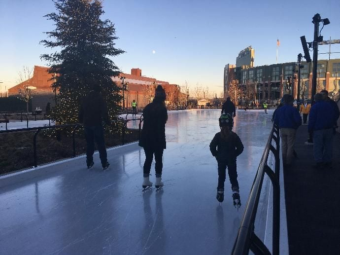 Ice skating rink opens at Titletown District in Green Bay