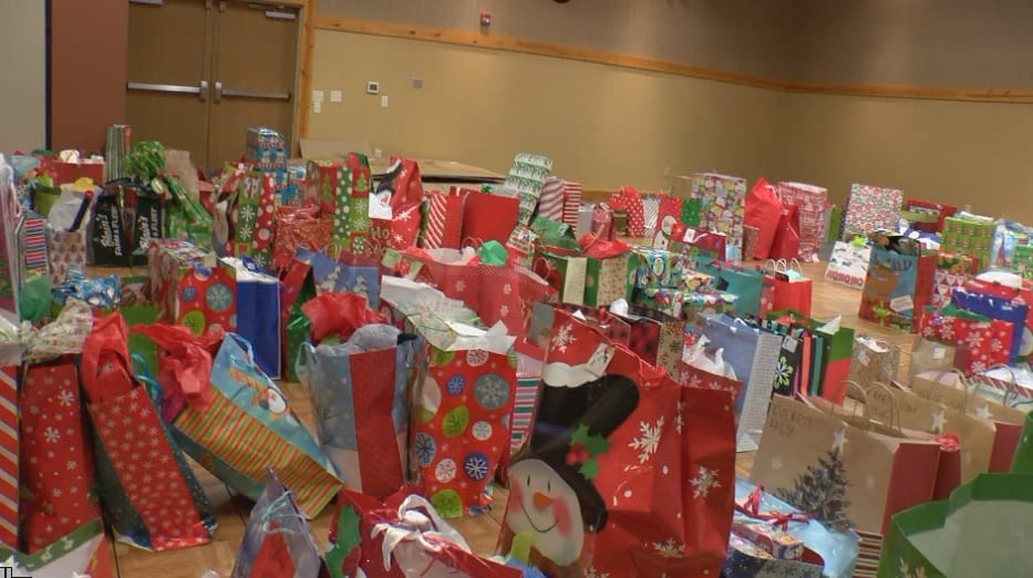1,000 + kids get gifts for Christmas in Eau Claire