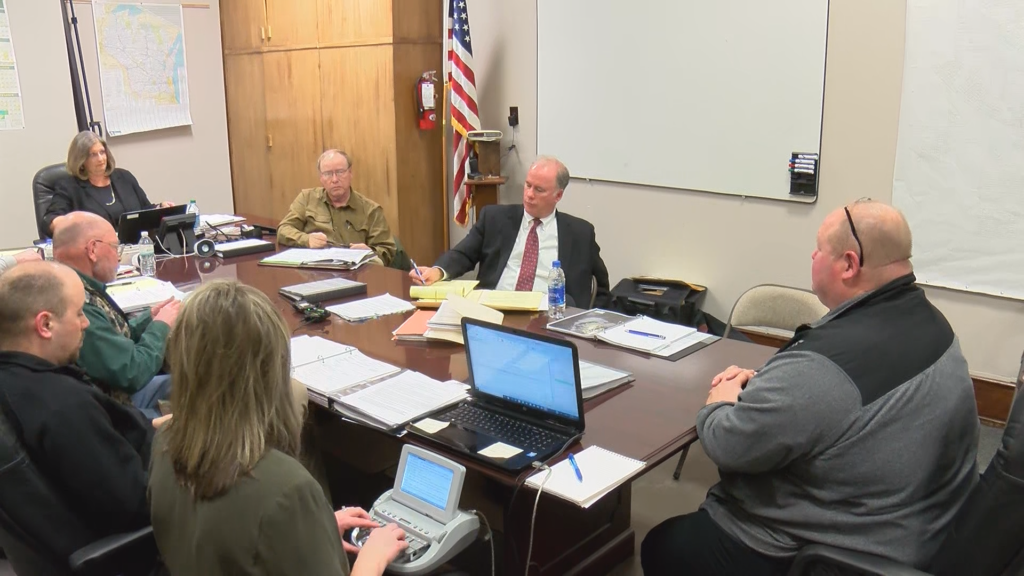 Happening Now: Bloomer Police Commission deciding fate of chief