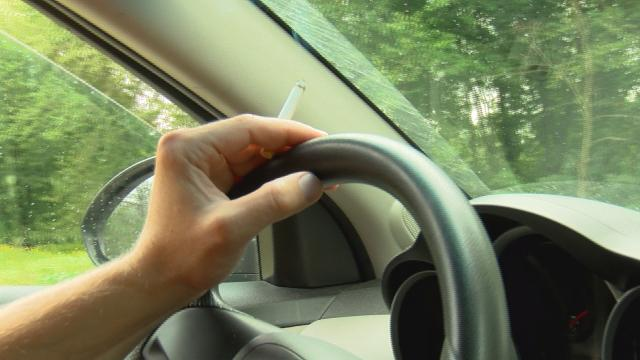 Illinois bans smoking in cars with minors present, WI lawmaker proposes the same