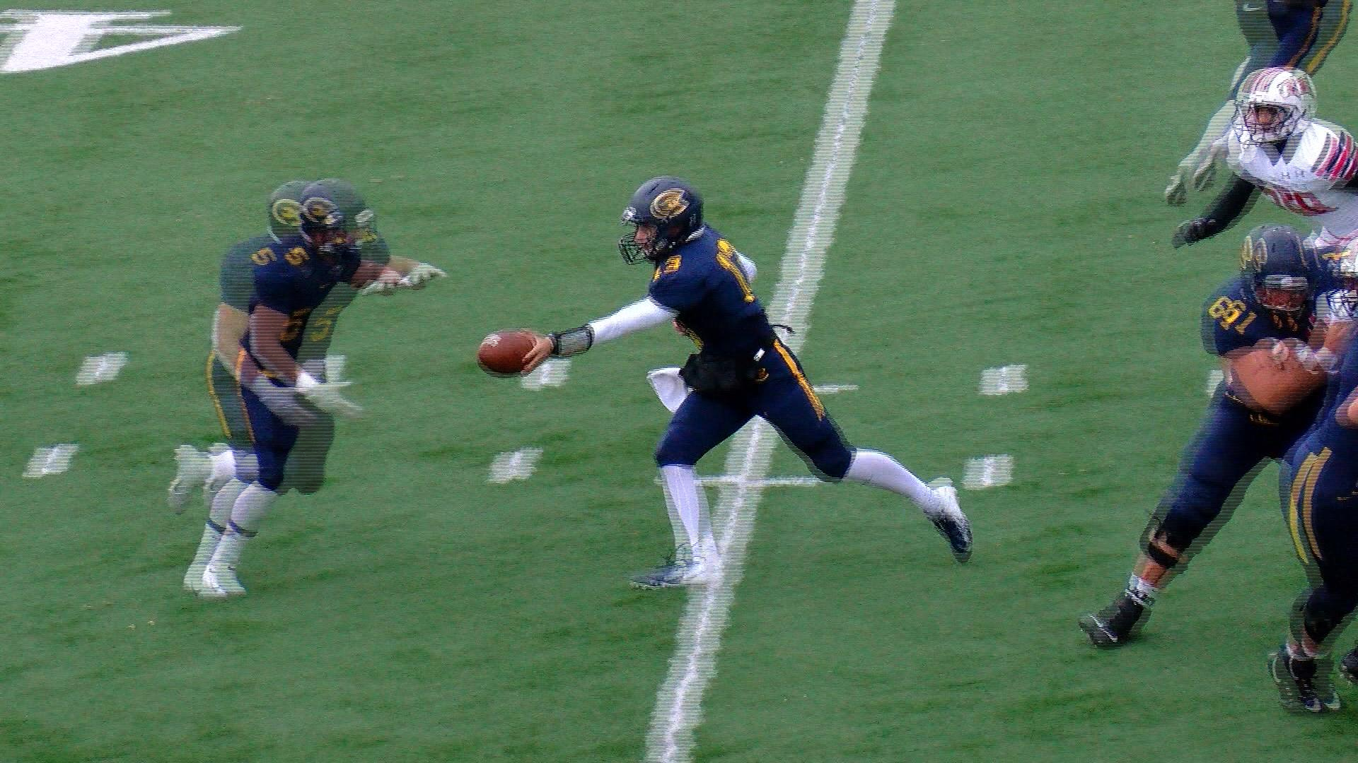 Blugolds confident moving forward with backup quarterback