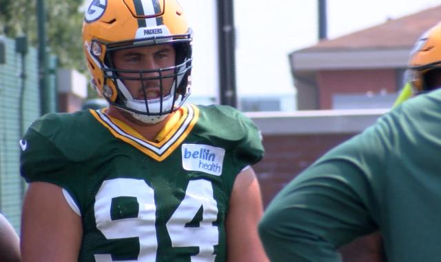 separation shoes a3628 f3eee Lowry signs contract extension with Packers - WREX