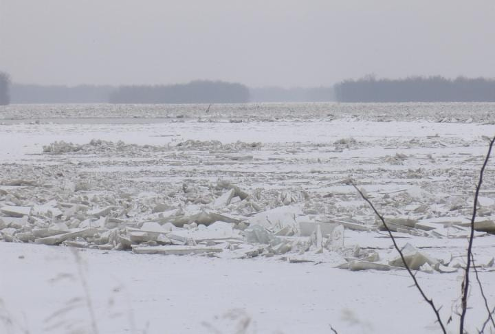 Ice on Mississippi River raises concerns for flooding - WGEM