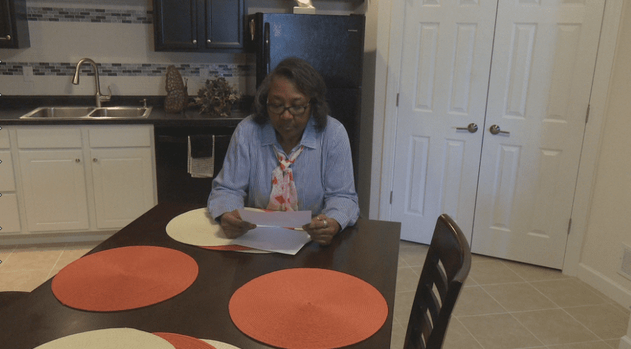 TROUBLESHOOTERS: Peoria woman receives part of her deposit back