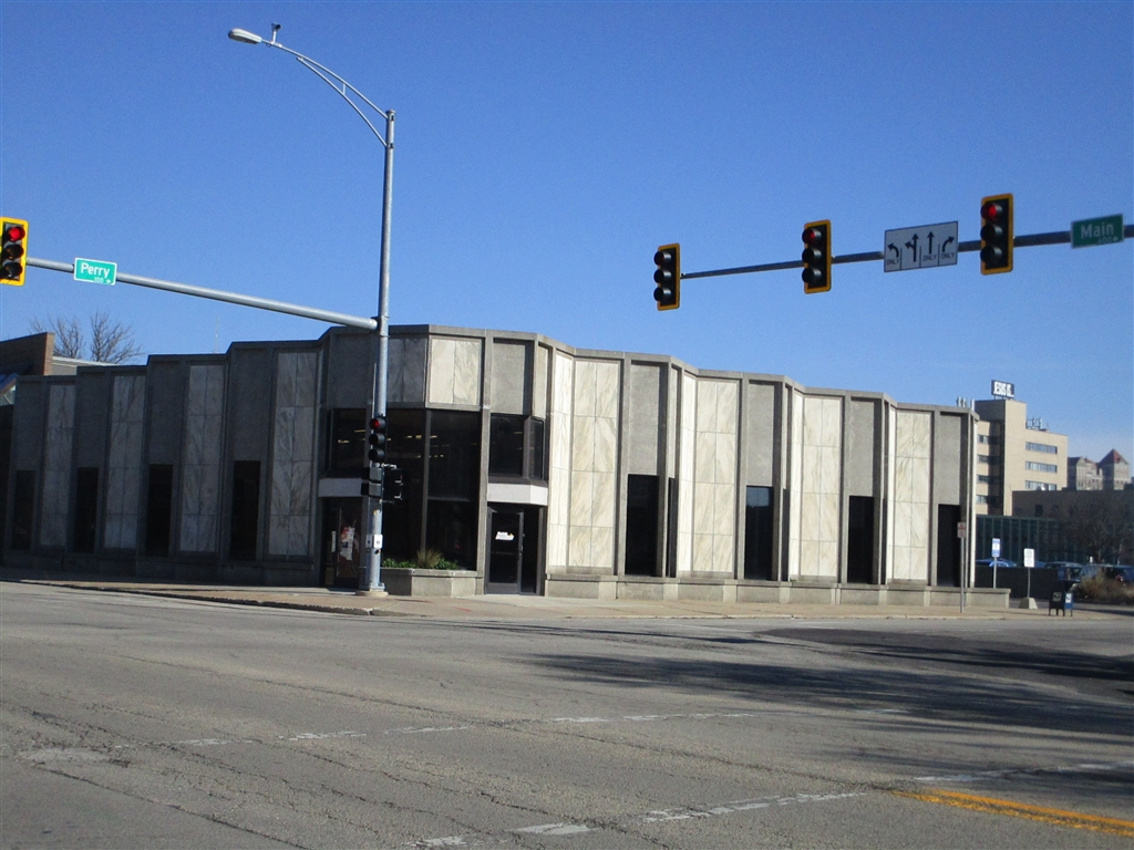 Downtown Peoria call center closes permanently