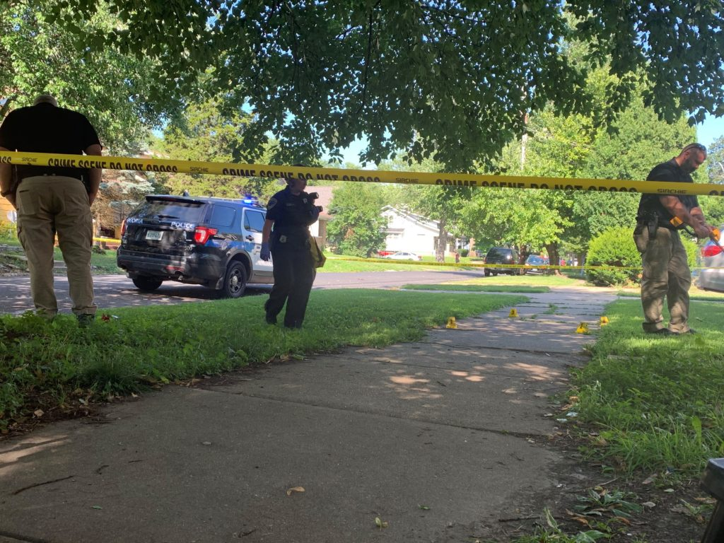 One man shot in neck in Peoria's East Bluff Thursday - HOIABC