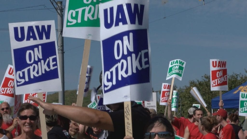 Strike pay kicks in now for picketing UAW members